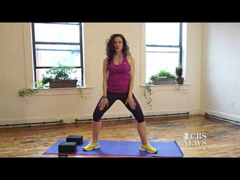 Watch CBS Evening News - Wedding workout: 3 must-do moves Online