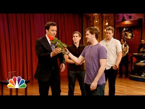 Watch Late Night with Jimmy Fallon - Darts of Insanity: Weiner Hole Online
