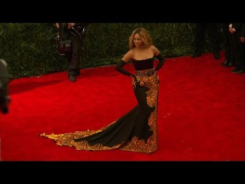 Watch Live From the Red Carpet - 2013 Met Gala's Red Carpet Surprises Online