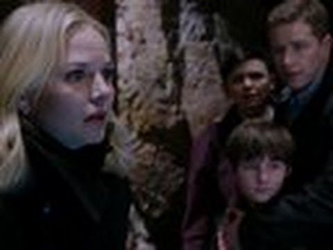 Watch Once Upon a Time - Once Upon a Time - Emma and Regina Save Storybrooke - Once Upon a Time Online