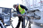 Watch Ice Road Truckers Season 6 Episode 15 - Race the Melt Online