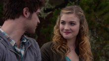 Watch The Nine Lives of Chloe King Season 1 Episode 10 - Beautiful Day Online