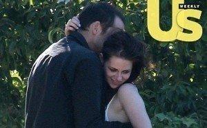 Kristen Stewart Cheating Pics Hit the Web