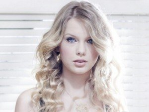 Taylor Swift and Amanda Seyfried Lined Up for 'Les Miserables'