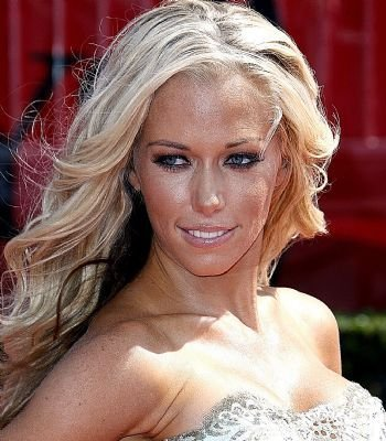 'Girls Next Door' Bunny Kendra Wilkinson Finally Gets a Wedding Invite - Will Hef Change the Date for Her?