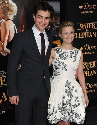 Robert Pattinson and Reese Witherspoon Hit NYC for Last Night's 'Water for Elephants' Premiere (Watch Interview)